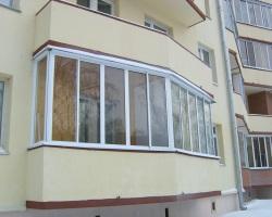 Чем алюминиевые оконные системы лучше для остекления балкона?
