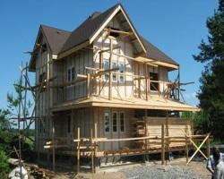 Стоит ли строить деревянный загородный дом?